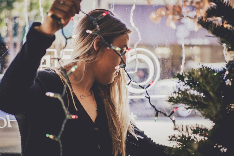 christmas verbs start d decorating